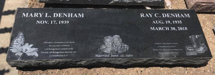 [Image: This flat companion monument features amazing etching as well as a photo of the couple.]